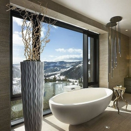 Winter wonderland bathroom #bathroom #interior #decor #designer #interiorhome #newhome #decorinspo #superhomes #interiorhomes #homesofinsta #bathroomsofinsta #instabathroom #bathroom #bathroomrenovation #copper #bath #bathtime #hotel #spa #winter #snow #christmas